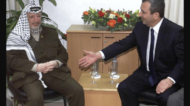 Ehud Barak and Yasser Arafat at the Camp David Talks in 2000 (GettyImages/Forward.com)